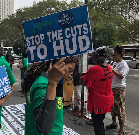 stop-HUD-cuts-signage